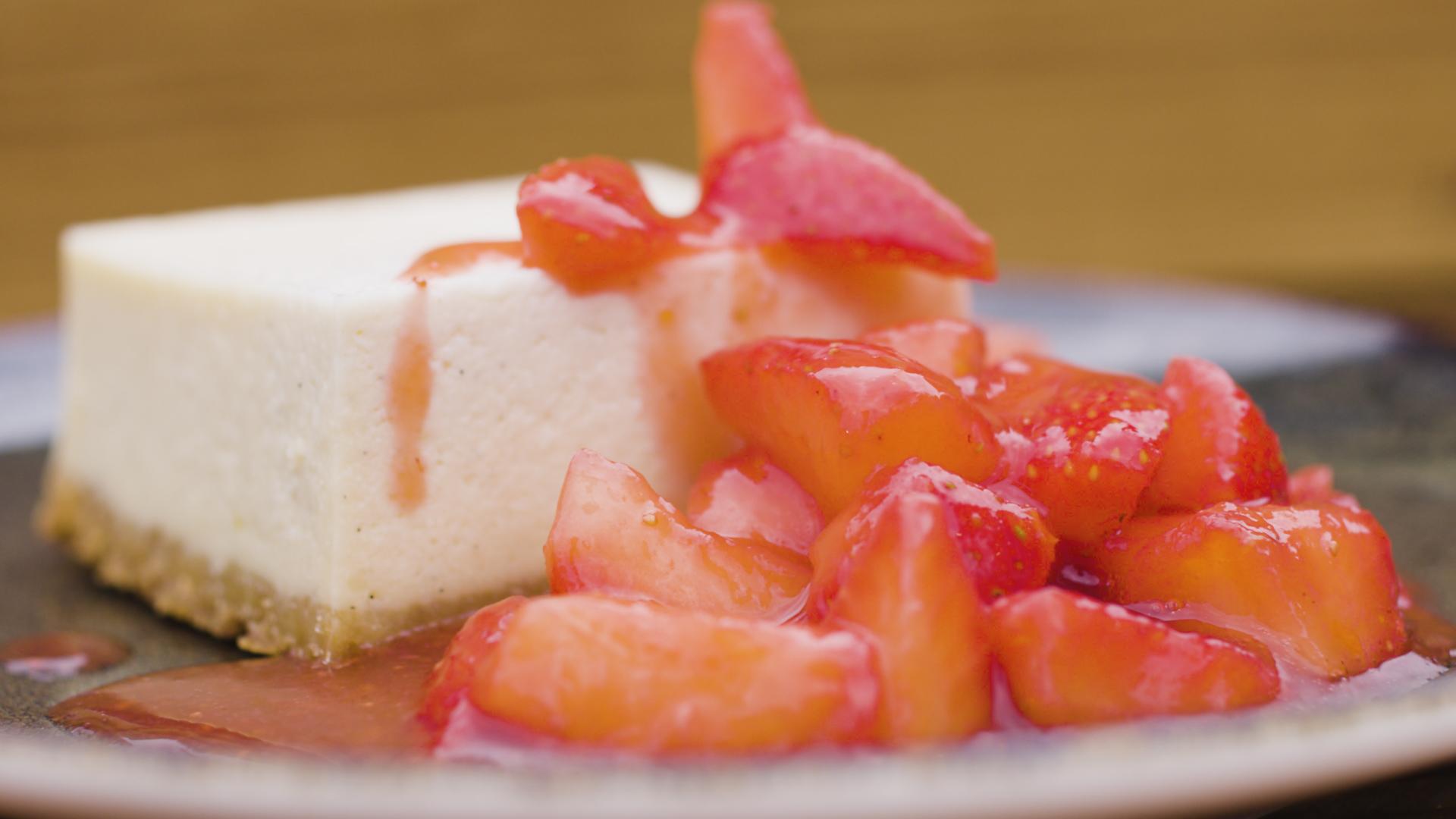 NY Cheesecake mit Erdbeerchiliragout  - handmade
